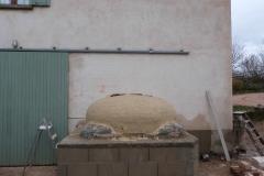 Chantier-5-Fin-de-construction-du-dôme-enduit-au-coulis-dargile-du-Four-à-pain