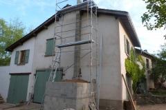 Chantier-7-construction-des-murs-autour-du-dôme-et-de-la-cheminée-du-Four-à-pain